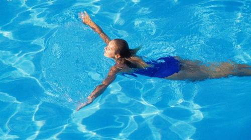 Bơi lội giúp giảm béo hiệu quả