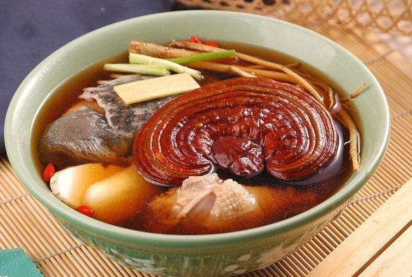 Canh gà nấm linh chi – món ăn bổ dưỡng cho trẻ