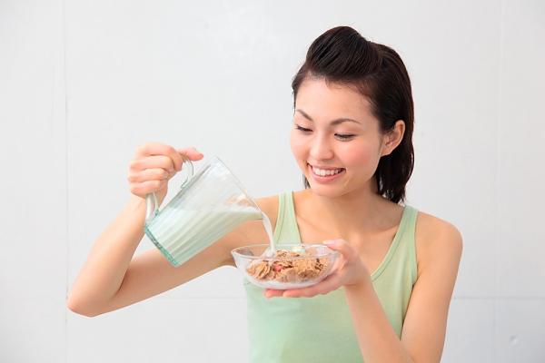 Sữa tăng cân nào tốt cho nữ?