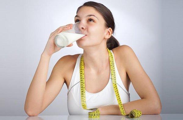 Các loại sữa béo nào giúp người gầy nhanh tăng cân?